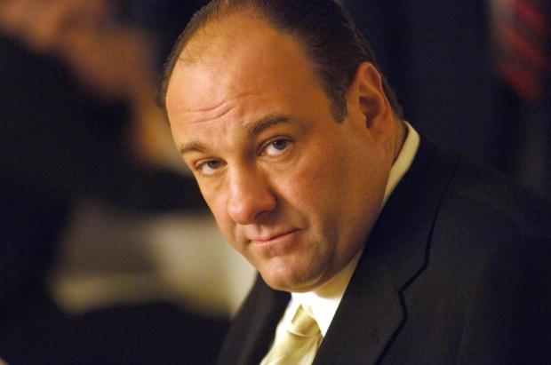 Tony Soprano (interpretado por James Gandolfini) es el protagonista de la serie Los Soprano.