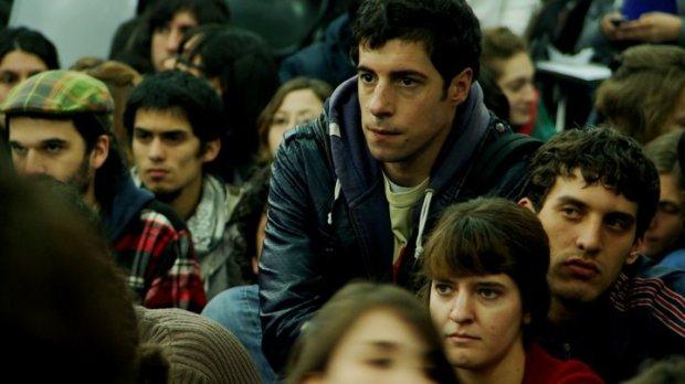 """Fotograma de la película """"El estudiante"""" (2011) de Santiago Mitre."""