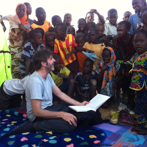 El ilustrador Paco Roca en Mauritania.