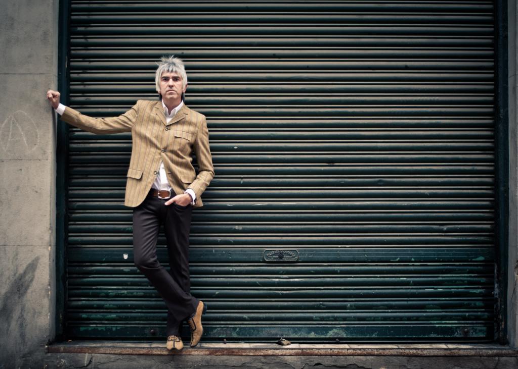 Alex Díez, músico al frente de Cooper y editor en Ediciones Chelsea. Foto: Mary Wilson.