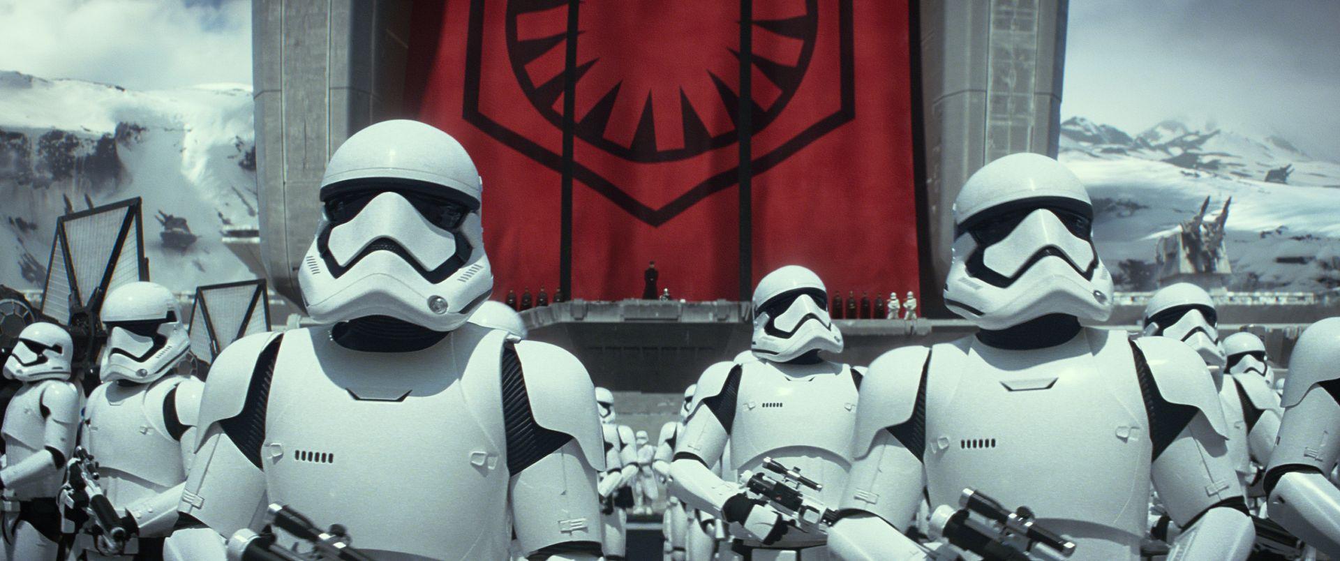 "Fotograma de ""Star Wars: El despertar de la fuerza"" (Lucasfilm / Bad Robot / The Walt Disney Company), dirigida por J.J. Abrams."